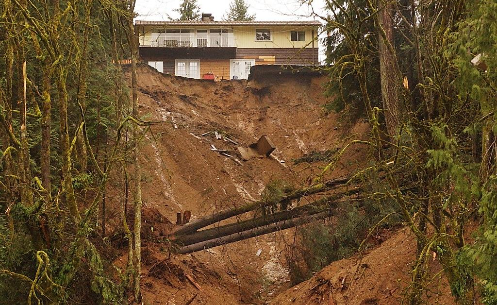 Aftermath of a deadly debris flow in the Riverside Drive area of North Vancouver in January, 2005. Source: The Province (2005), used with permission.